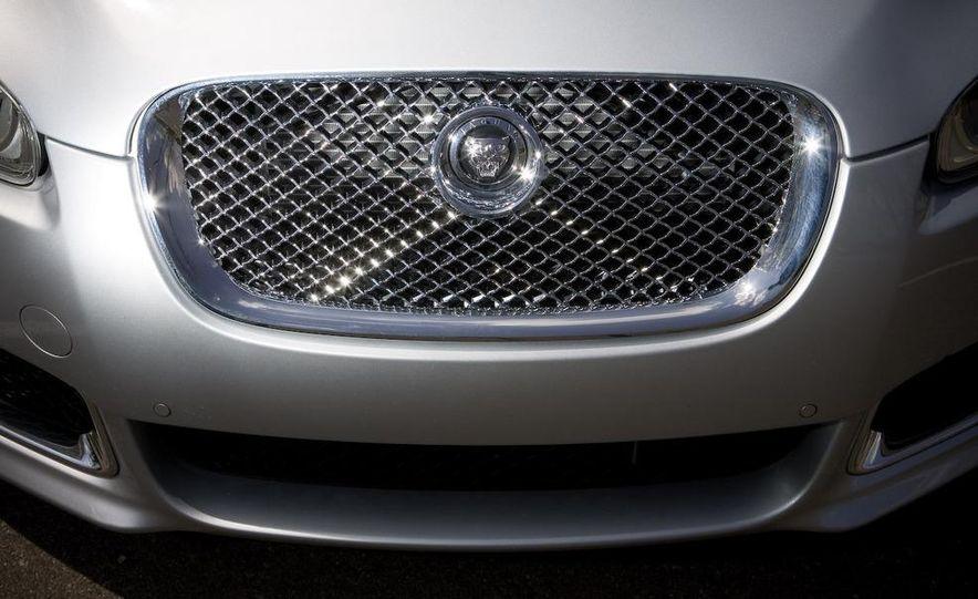 2010 Jaguar XFR - Slide 23