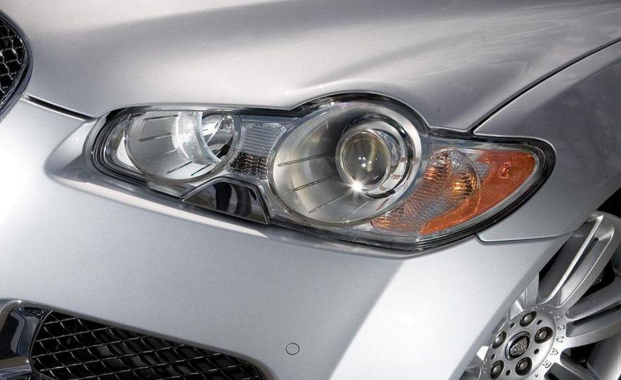 2010 Jaguar XFR - Slide 20
