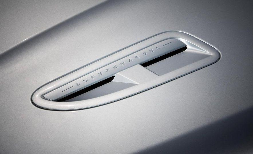 2010 Jaguar XFR - Slide 25