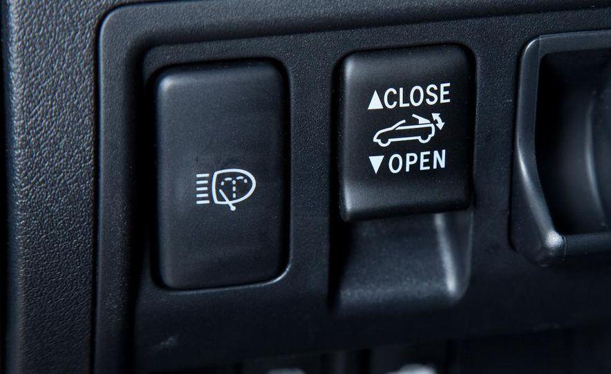 2010 Lexus IS convertible rear seatbelts - Slide 64