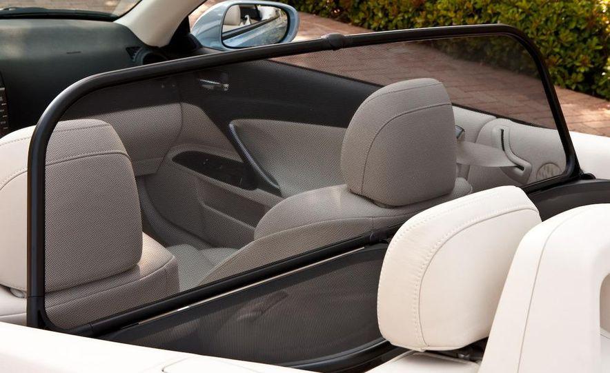 2010 Lexus IS convertible rear seatbelts - Slide 61