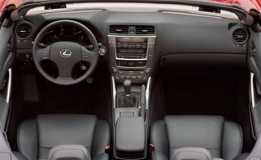 2010 Lexus IS convertible rear seatbelts - Slide 44