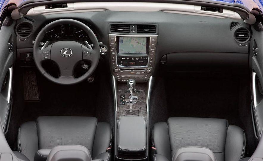 2010 Lexus IS convertible rear seatbelts - Slide 107