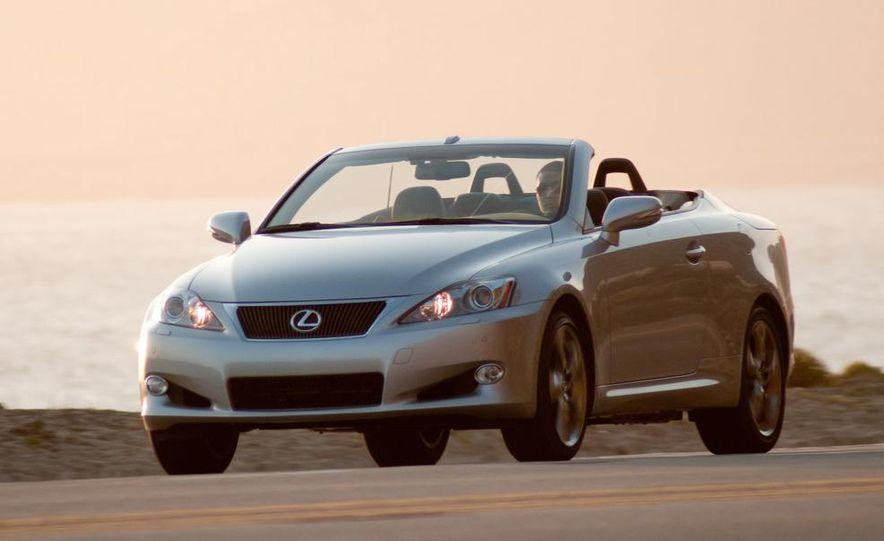 2010 Lexus IS convertible rear seatbelts - Slide 51