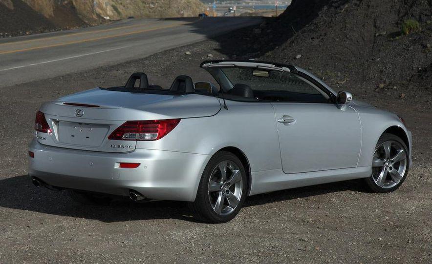 2010 Lexus IS convertible rear seatbelts - Slide 86