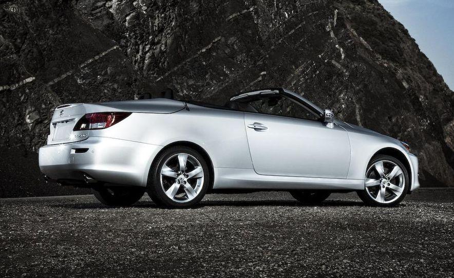 2010 Lexus IS convertible rear seatbelts - Slide 91