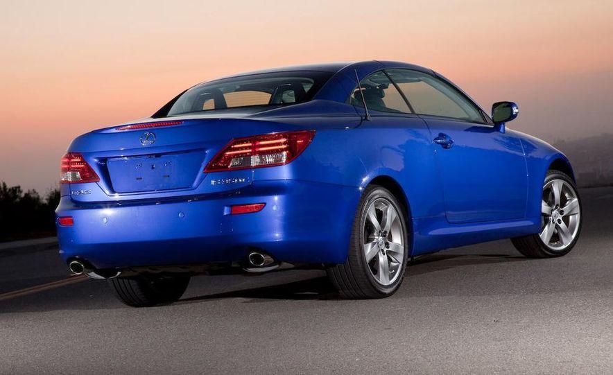 2010 Lexus IS convertible rear seatbelts - Slide 93