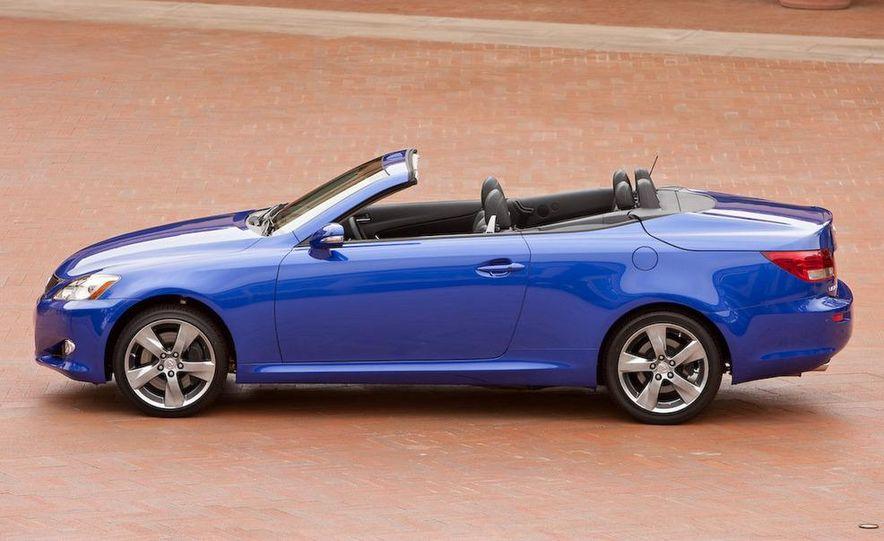 2010 Lexus IS convertible rear seatbelts - Slide 108