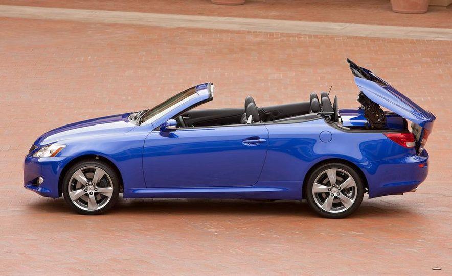 2010 Lexus IS convertible rear seatbelts - Slide 109