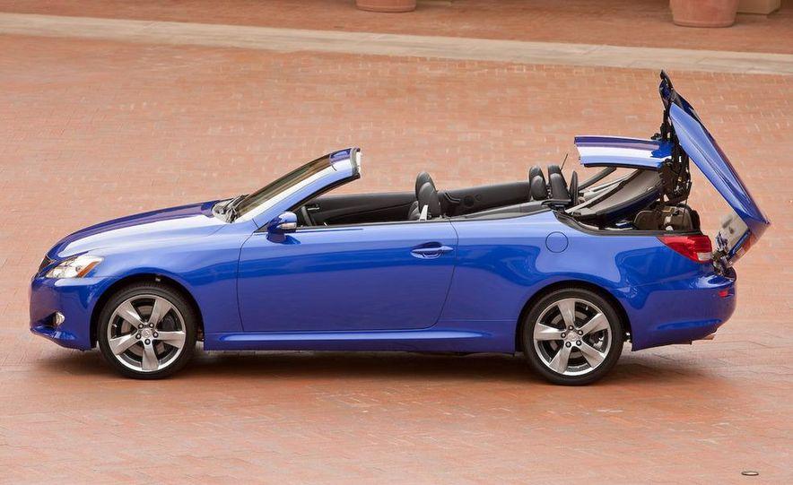 2010 Lexus IS convertible rear seatbelts - Slide 110