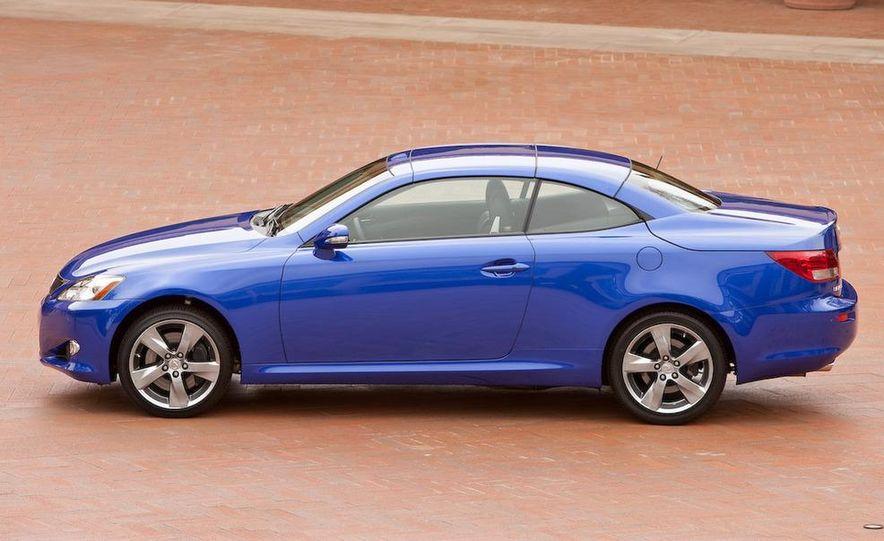2010 Lexus IS convertible rear seatbelts - Slide 114