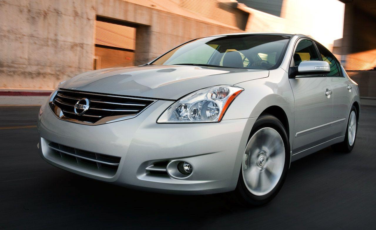 Awesome 2010 Nissan Altima Sedan
