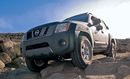Nissan Xterra Off-Road 4WD & Nissan Xterra Off-Road 4WD | Comparison Tests | Comparisons | Car ...