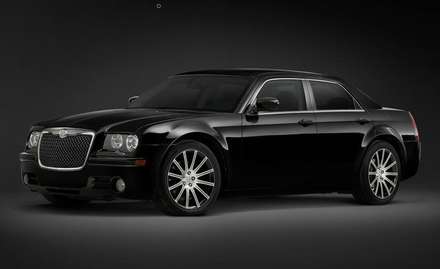 2010 Chrysler 300 S8 - Slide 28
