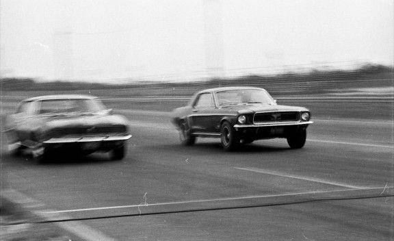 1968: Tunnel Port Ford Mustang vs. Chevrolet Camaro Z/28