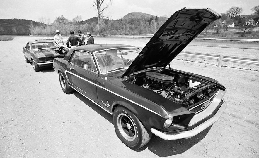 """1968 Chevrolet Camaro Z/28 and """"Tunnel Port"""" Ford Mustang coupe - Slide 7"""