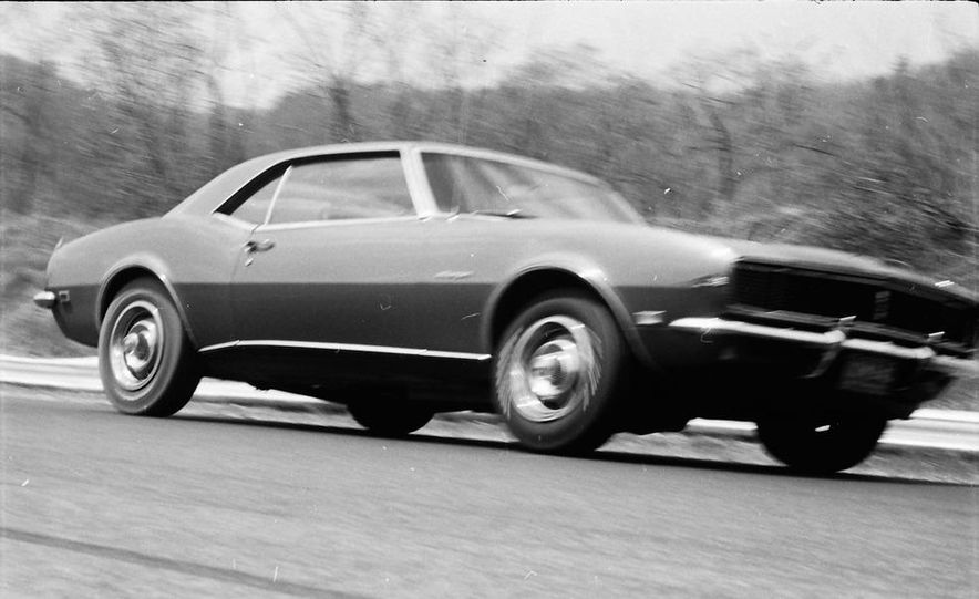 """1968 Chevrolet Camaro Z/28 and """"Tunnel Port"""" Ford Mustang coupe - Slide 37"""