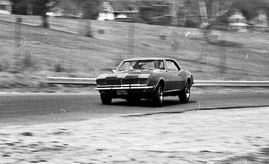 """1968 Chevrolet Camaro Z/28 and """"Tunnel Port"""" Ford Mustang coupe - Slide 39"""