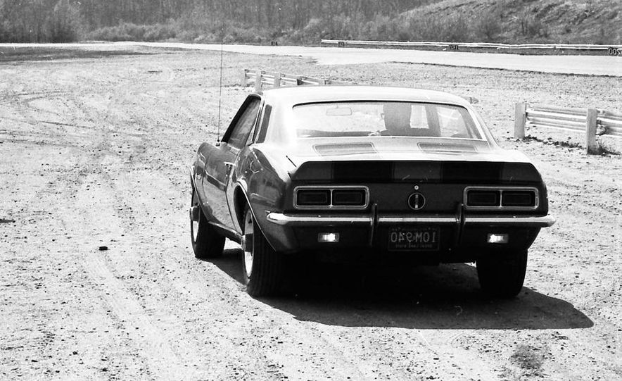 """1968 Chevrolet Camaro Z/28 and """"Tunnel Port"""" Ford Mustang coupe - Slide 51"""