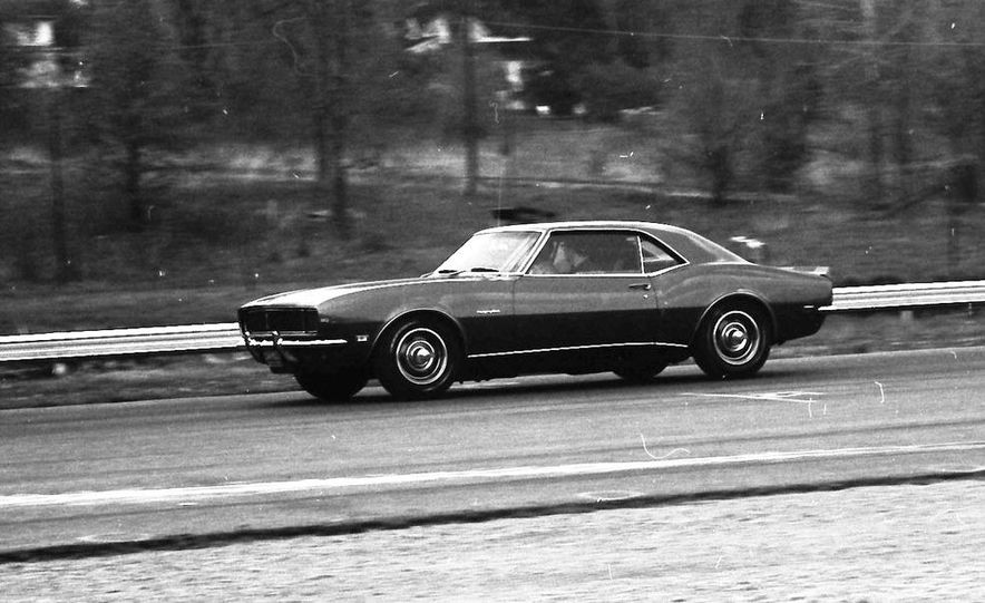 """1968 Chevrolet Camaro Z/28 and """"Tunnel Port"""" Ford Mustang coupe - Slide 41"""