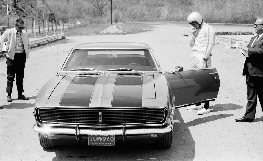 """1968 Chevrolet Camaro Z/28 and """"Tunnel Port"""" Ford Mustang coupe - Slide 52"""