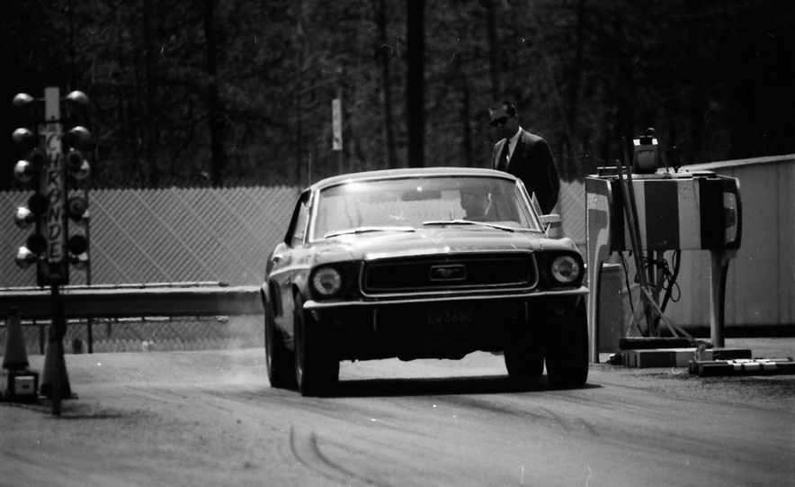 """1968 Chevrolet Camaro Z/28 and """"Tunnel Port"""" Ford Mustang coupe - Slide 11"""