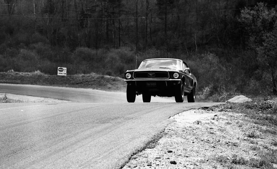 """1968 Chevrolet Camaro Z/28 and """"Tunnel Port"""" Ford Mustang coupe - Slide 13"""