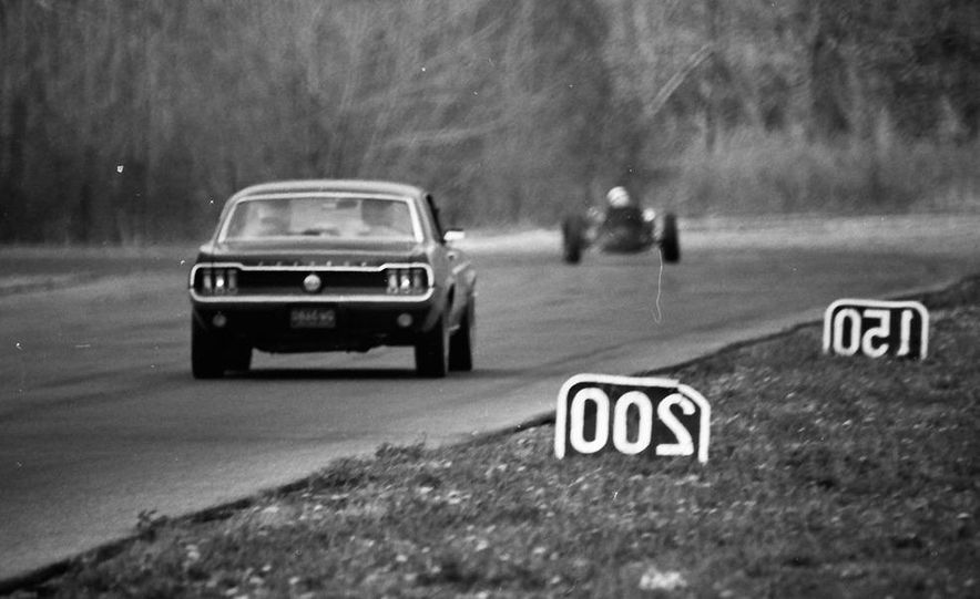 """1968 Chevrolet Camaro Z/28 and """"Tunnel Port"""" Ford Mustang coupe - Slide 19"""