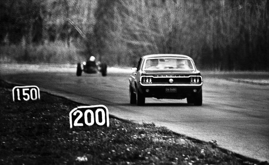 """1968 Chevrolet Camaro Z/28 and """"Tunnel Port"""" Ford Mustang coupe - Slide 25"""