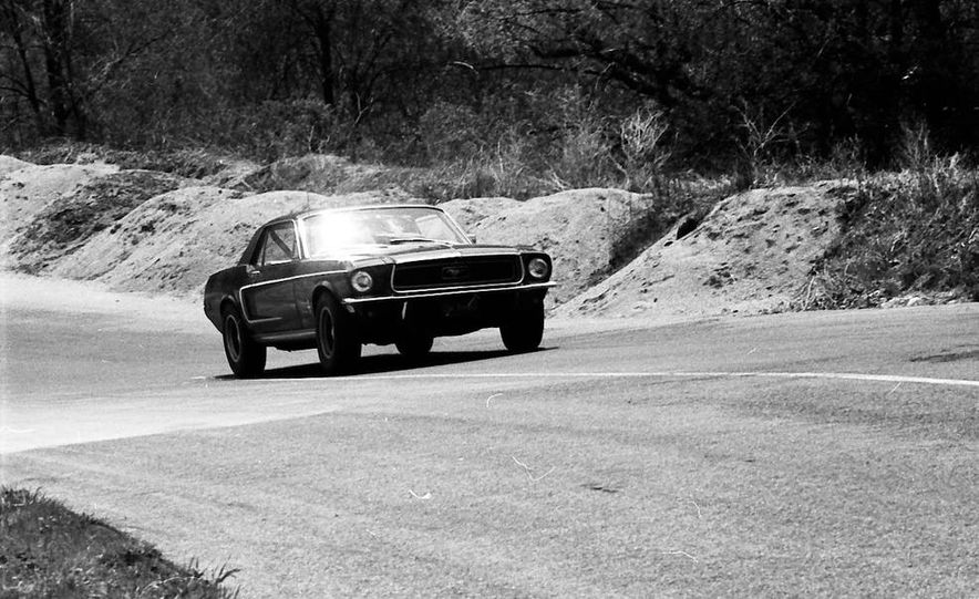 """1968 Chevrolet Camaro Z/28 and """"Tunnel Port"""" Ford Mustang coupe - Slide 28"""