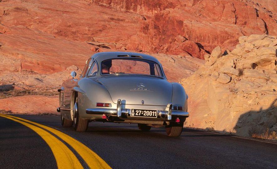 1954–1957 Mercedes-Benz 300SL Coupé - Slide 2