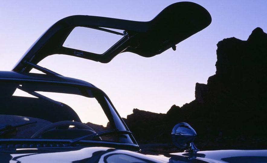 1954–1957 Mercedes-Benz 300SL Coupé - Slide 24
