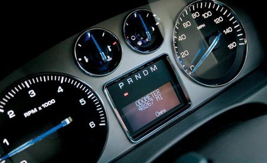 2007 Cadillac Escalade AWD - Slide 18