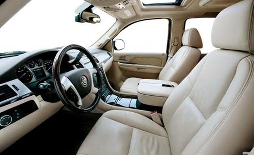 2007 Cadillac Escalade AWD - Slide 19