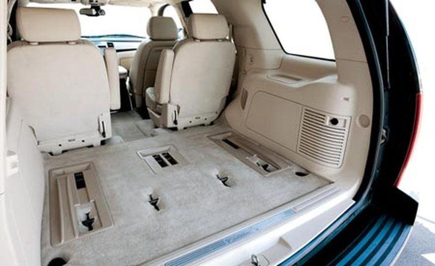 2007 Cadillac Escalade AWD - Slide 21