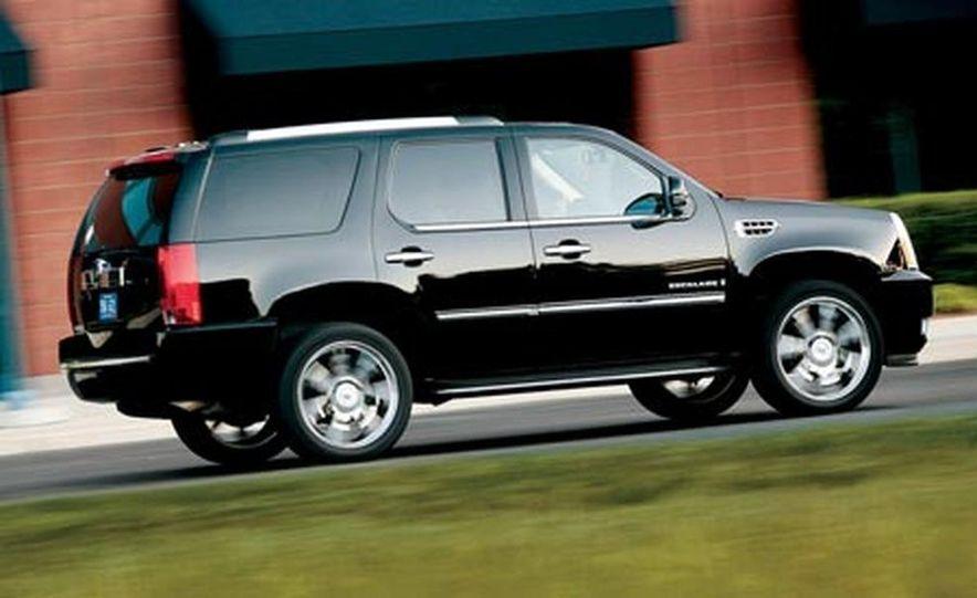 2007 Cadillac Escalade AWD - Slide 15