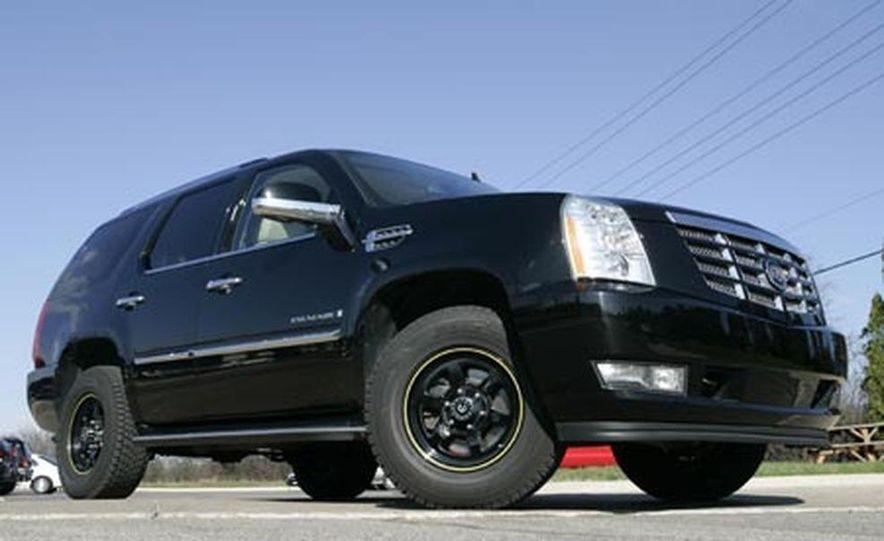 2007 Cadillac Escalade AWD - Slide 24