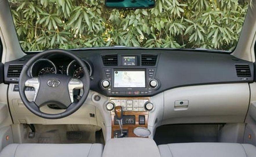 2008 Ford Taurus X - Slide 9