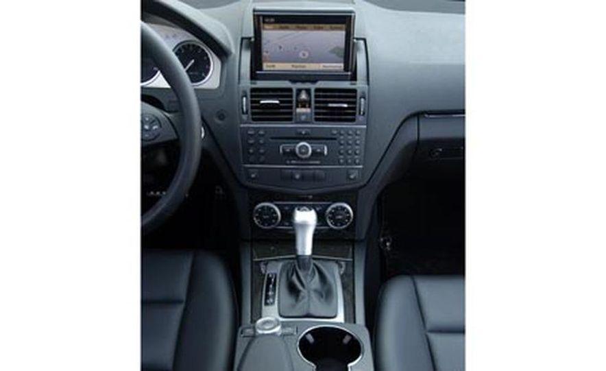 2008 Mercedes-Benz C350 Sport - Slide 11