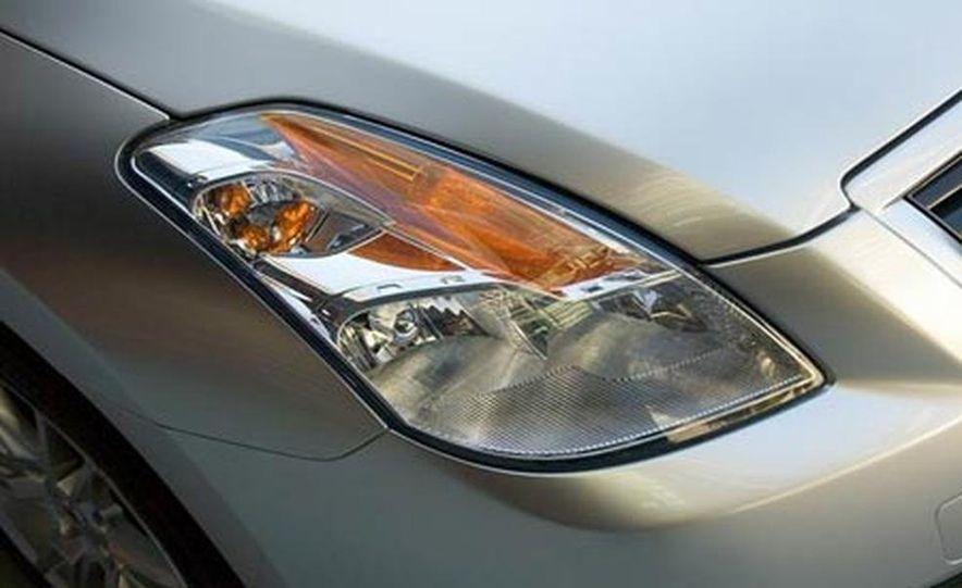 2008 Nissan Altima coupe - Slide 8