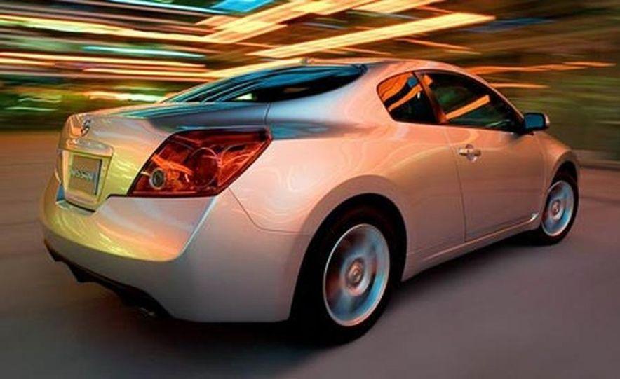 2008 Nissan Altima coupe - Slide 2