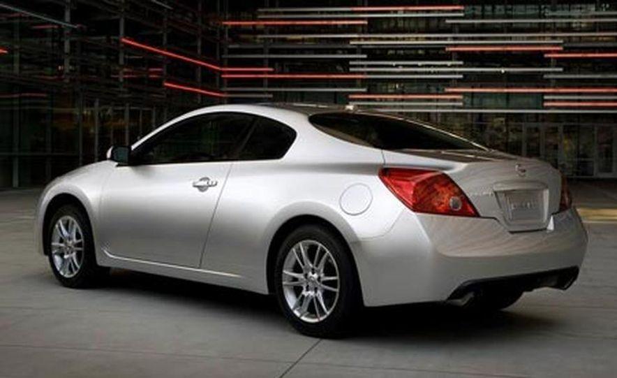 2008 Nissan Altima coupe - Slide 4