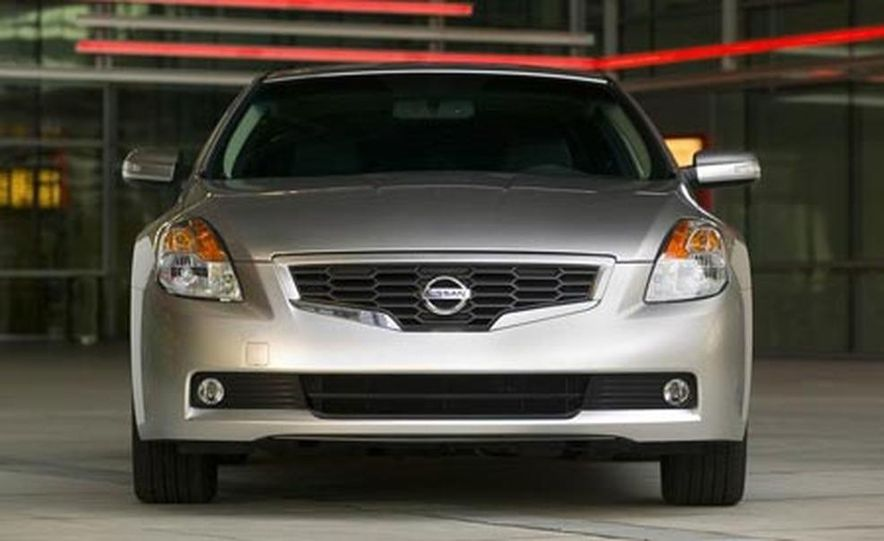 2008 Nissan Altima coupe - Slide 5