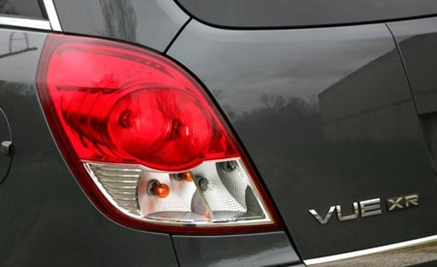 2008 Saturn Vue XR AWD - Slide 17