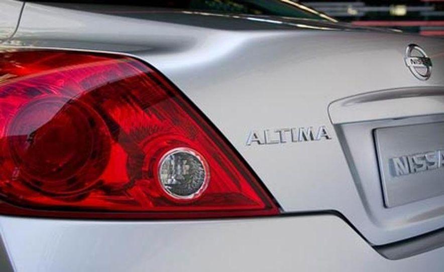 2008 Nissan Altima coupe - Slide 14