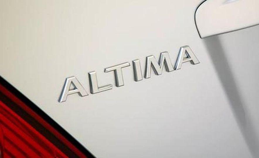 2008 Nissan Altima coupe - Slide 15