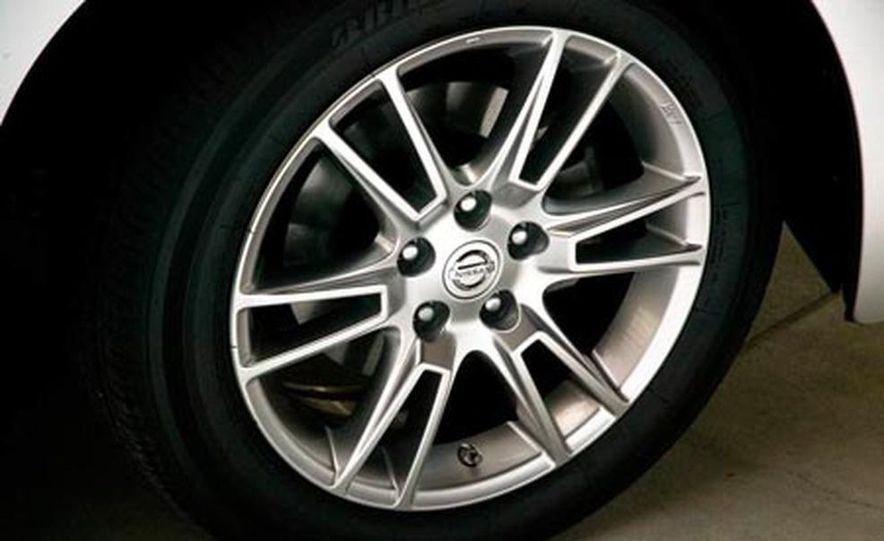 2008 Nissan Altima coupe - Slide 16