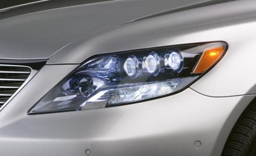 2008 Lexus LS600hL - Slide 11
