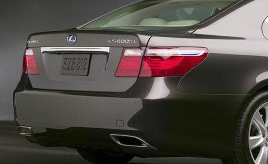 2008 Lexus LS600hL - Slide 10