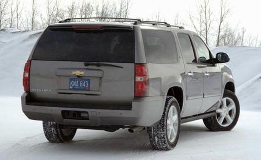 2007 Chevrolet Suburban LTZ - Slide 2